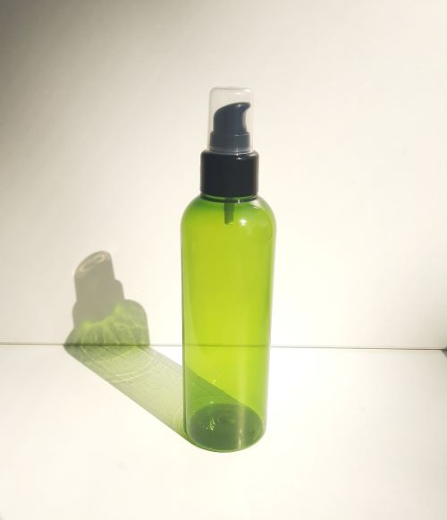 200 ml roheline pudel väikese pumbaga must